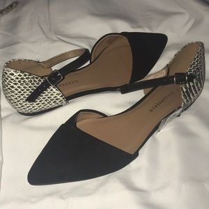 Atmosphere Point Toe Flats with faux snakeskin 8